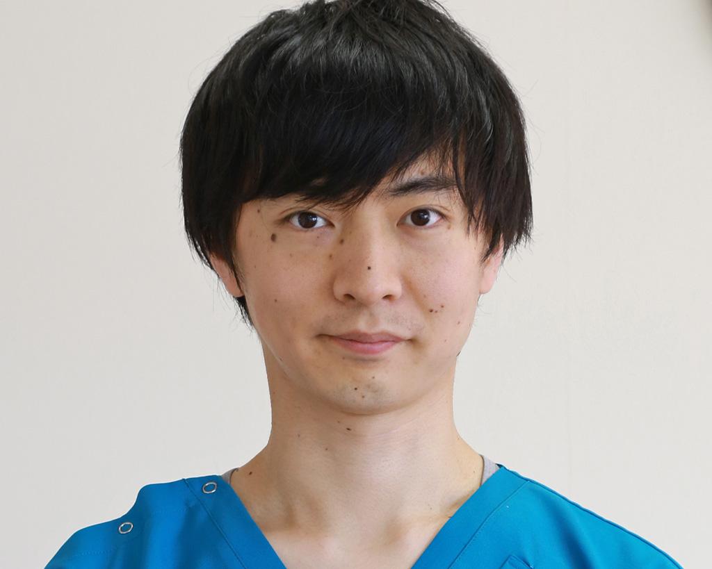 歯科医師 有松 圭